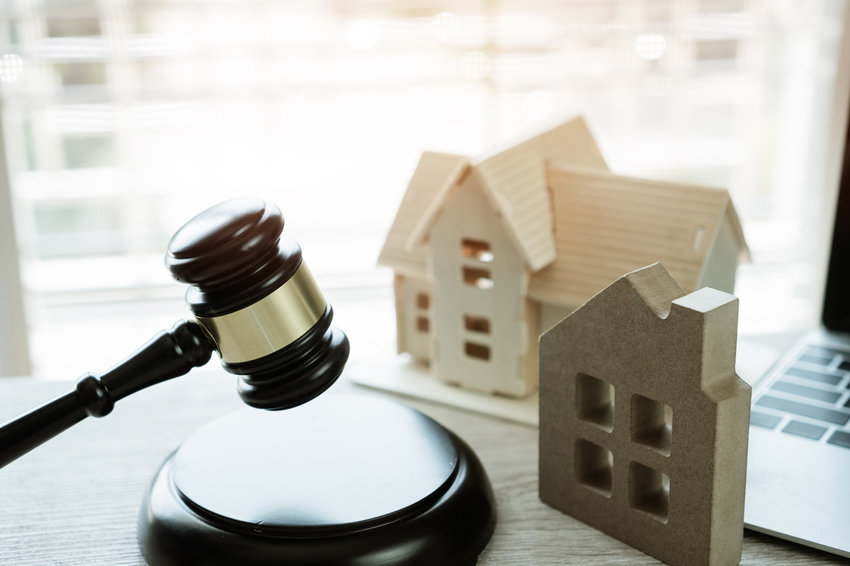 Как продают квартиры с торгов